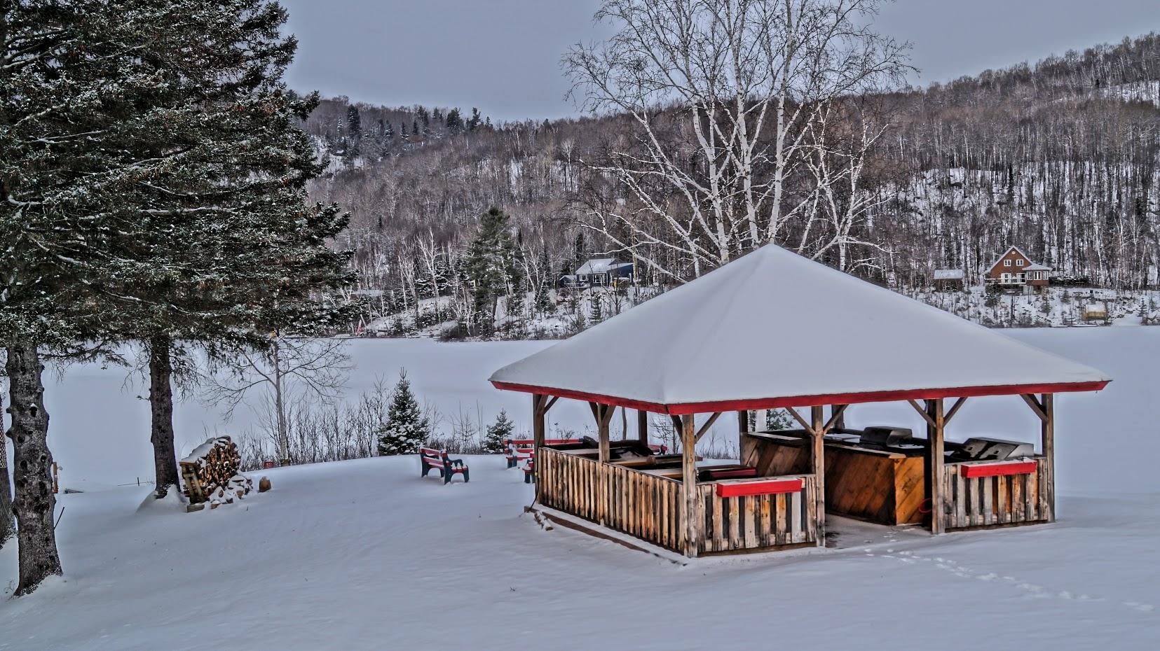 auberge-du-lac-thomas-exterieur-hiver