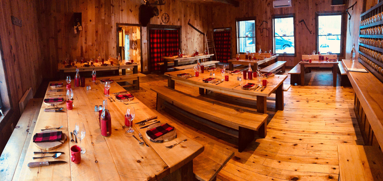 Intérieur de la cabane à sucre Sucrerie du Domaine
